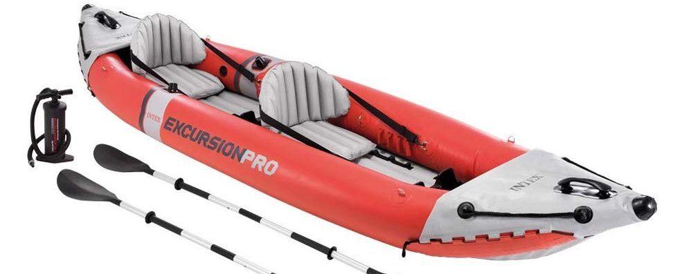 le kayak vendu avec la pompe et les pagaies